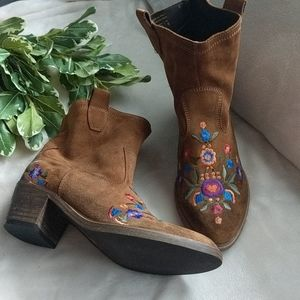 Aldo Limeira embroidered floral  boots